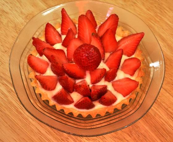 تارت الفراولة بنينة ساهلة بالصور strawberry-tart-16-e280ab.jpg?w=560