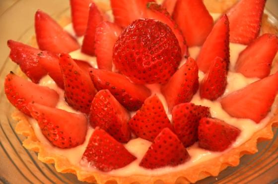 تارت الفراولة بنينة ساهلة بالصور strawberry-tart-17-e280ab.jpg?w=560